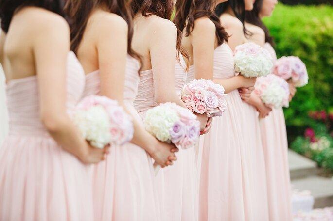 Passend gekleidete Brautjungfern, Foto-Flickr Zankyou