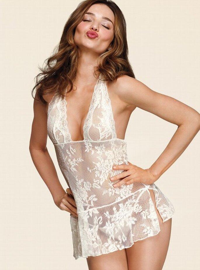 Sexy lencería con encaje para novias - Foto Victoria's Secret 2013
