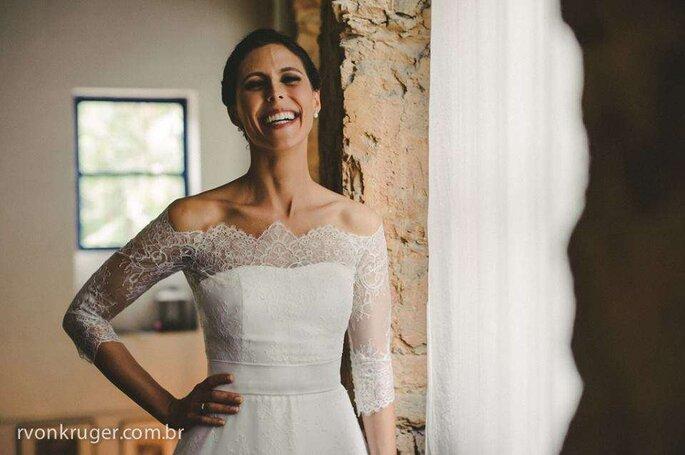 Há muitas maneiras de se brincar com os tecidos e detalhes de um vestido!