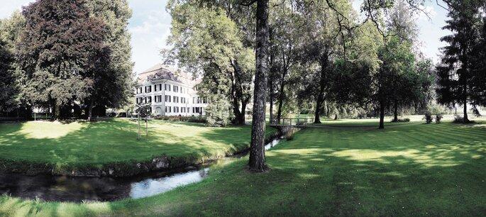 Schloss Hüningen Schlosspark Panorama
