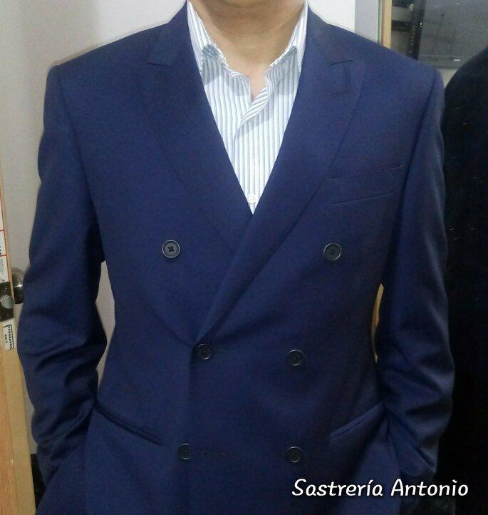 Sastrería Antonio Bespoke tienda de novios México
