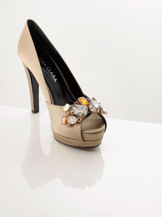 Zapatos de fiesta con delicada pedrería