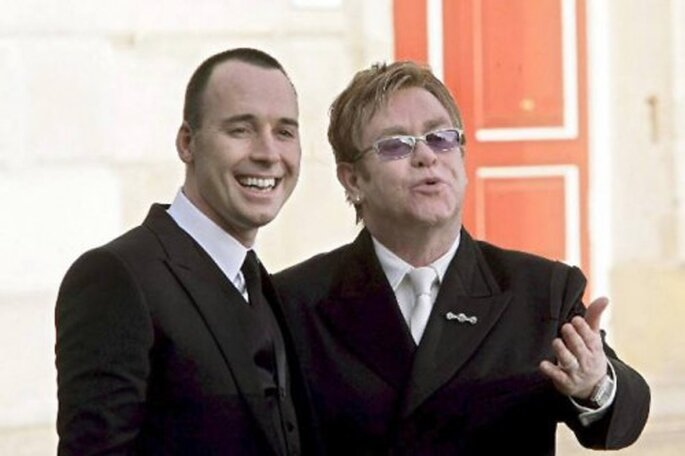 Foto: Elton John and david furnish via facebook