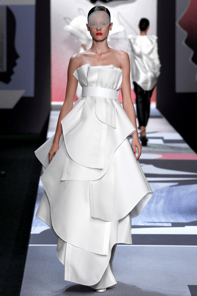 vestido de novia extravagante para novia trendy - Foto Viktor & Rolf