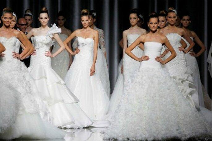 Los vestidos de novia Pronovias 2012 poseen líneas inspiradas en la costura tradicional