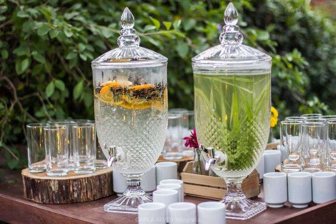 Mesa de drinks no casamento
