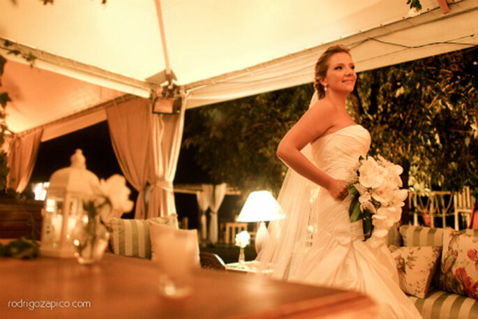 A noiva com seu vestido by La novia. Foto: Rodrigo Zapico