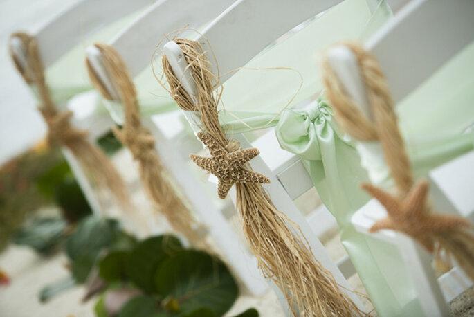 Decoración muy original para las sillas en tu boda - Foto Minerva Photography