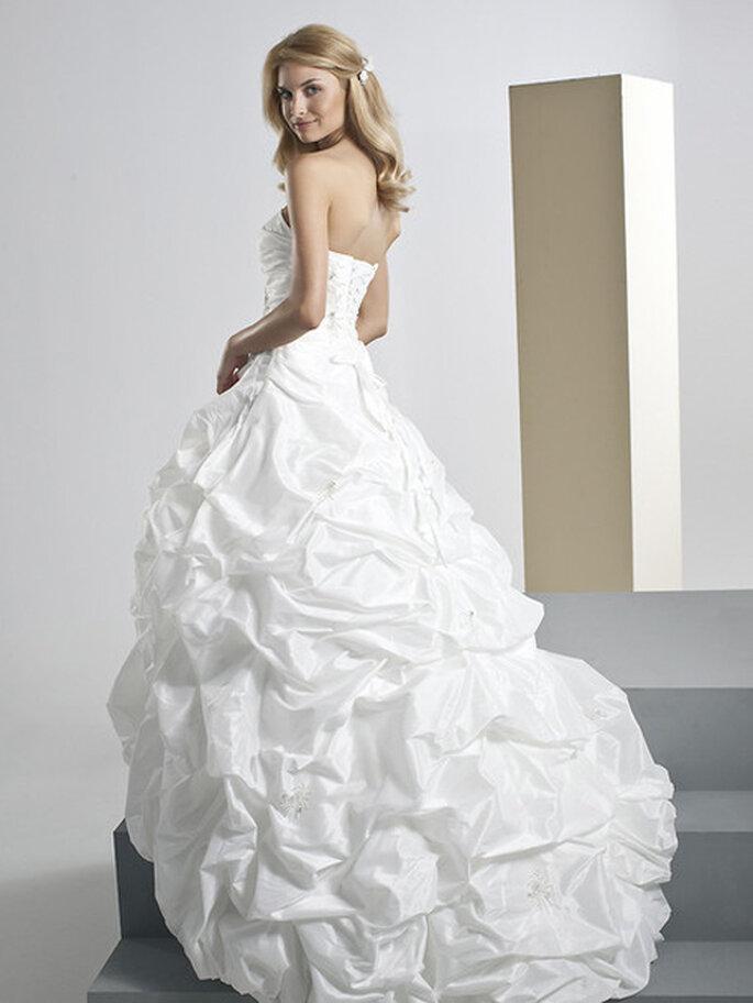 Modell Cesarina aus der Kollektion Lignesse 2012 von Lohrengel