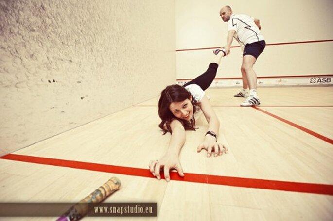 Practica frontón en pareja para desestresarte. Imagen SnapStudio