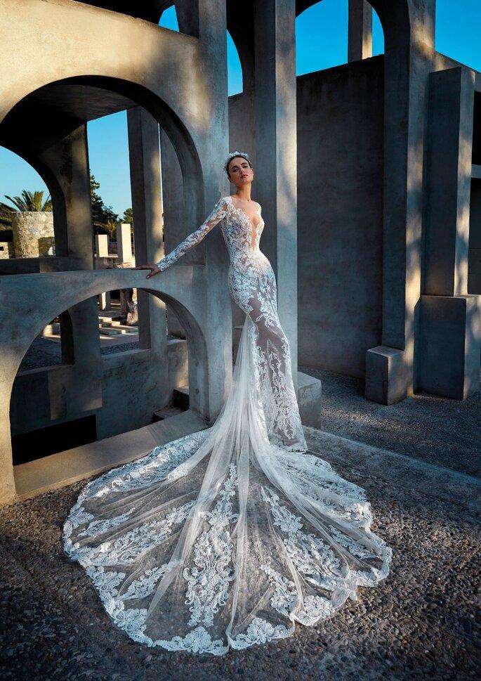 Pronovias Premiere 2021 Vestido de novia sirena con manga larga en tul bordado