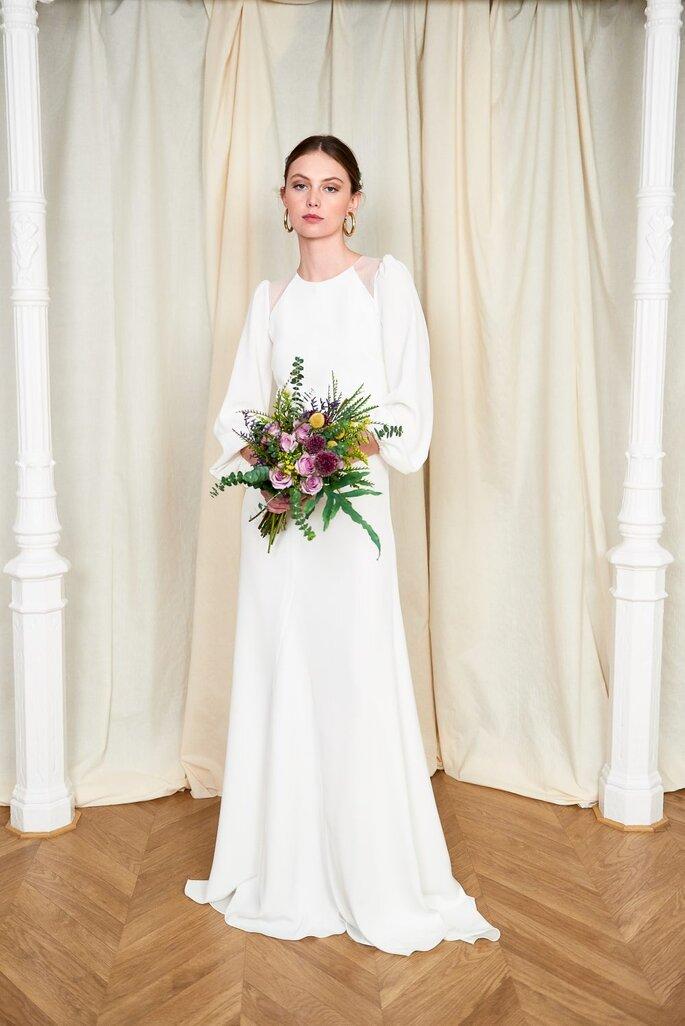 Vestido de novia para boda civil Beba´s Closet Body y falda con manga Olga en crep con efecto abullonado en el puño.