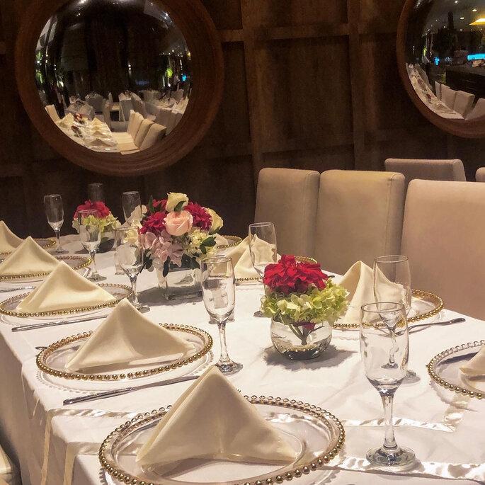 Mesas del banquete en la boda