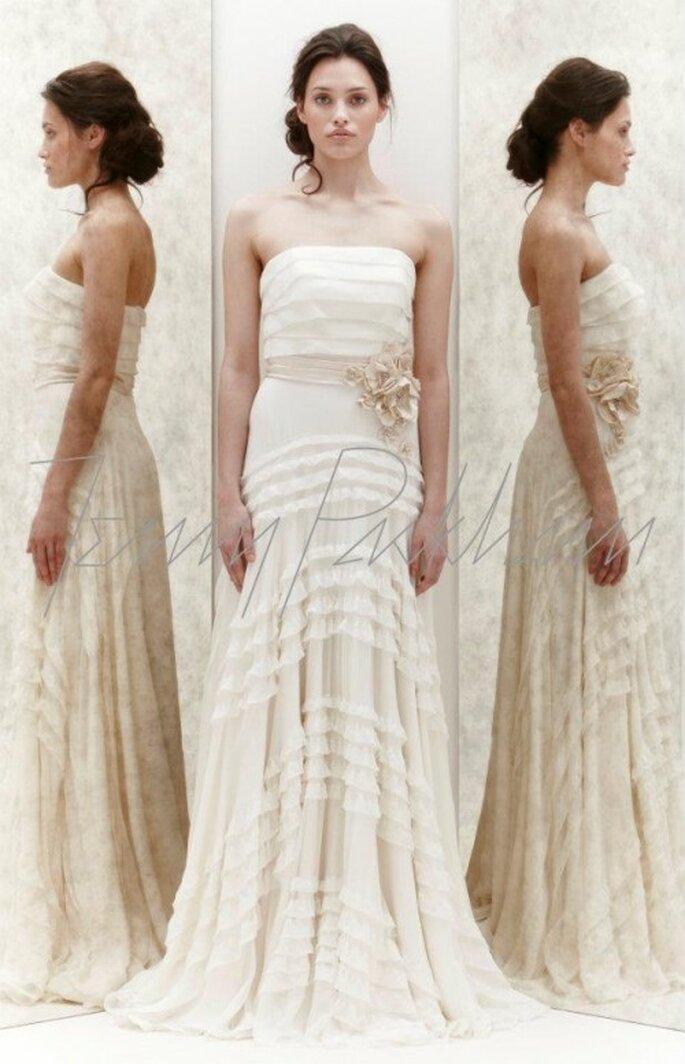 Vestido de novia strapless con elementos florales - Foto Jenny Packham