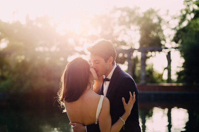 beijo entre noivos