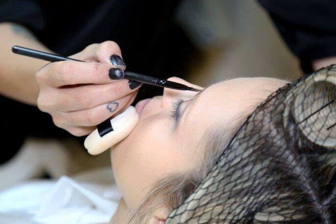 Maquiagem delicada como o amor dos noivos
