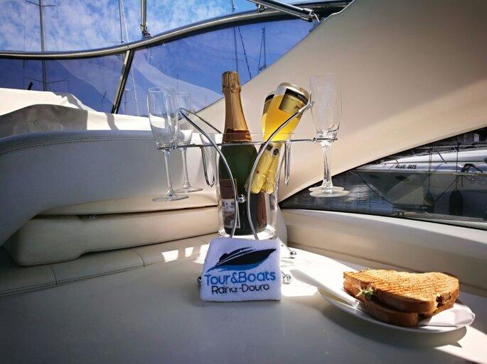 Solicite informaçoes sobre Tour & Boats