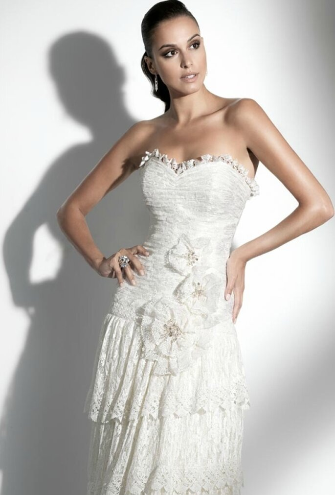 Vestido de novia con apliques florales, Pepe Botella