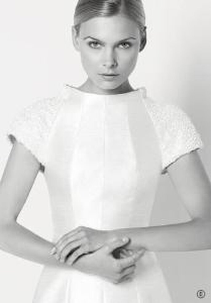 Rosa Clará y Karl Lagerfeld 2009 - Harvey, vestido bordado con pasamanería en shantung de seda