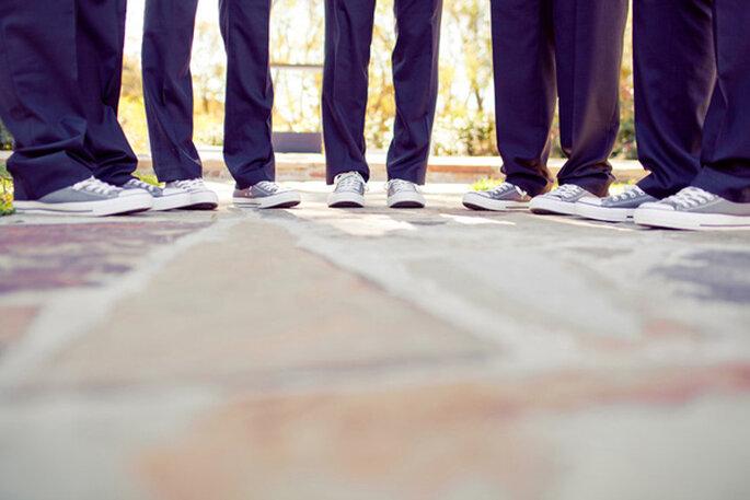 Los converse, una genial idea para el look de tu novio - Foto Ryan Price Photography
