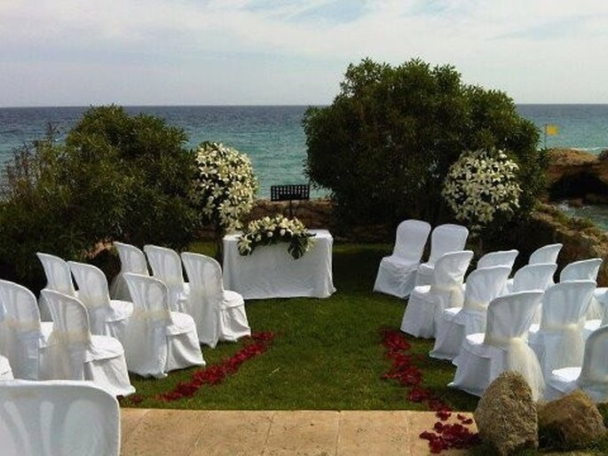 Altar para la ceremonia. Foto: Twitter