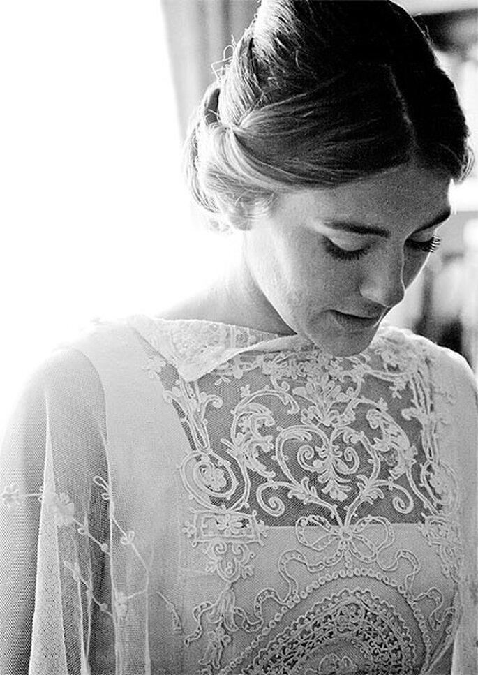 El reportaje fotográfico empieza con el maquillaje y peinado de la novia. Foto: Click 10