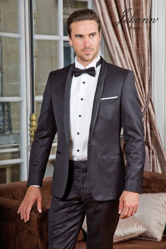 Smoking col châle noir avec liseré   pour une tenue ultra chic et raffinée.  Veste 1 bouton cintrée col châle à revers satiné 85fe59e709d