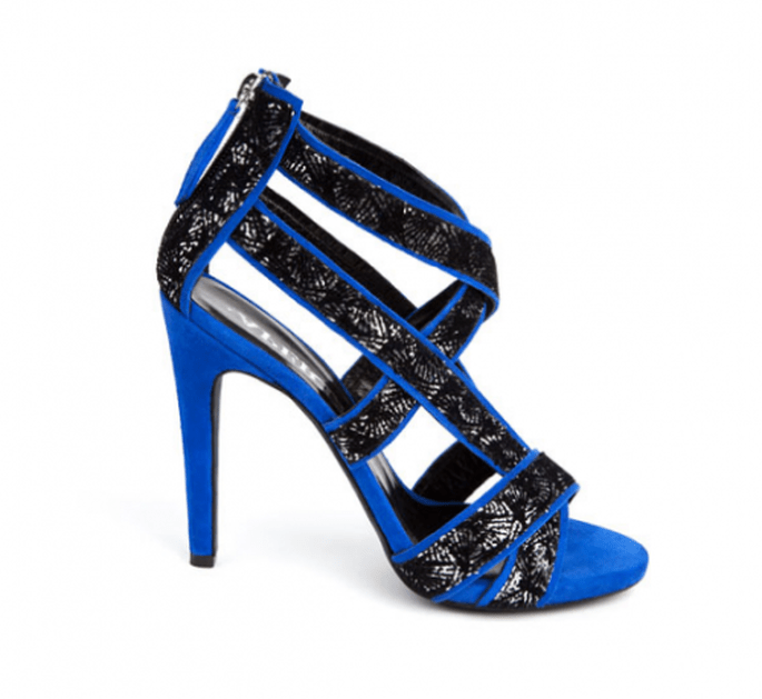 Zapatos de novia 2014 en color azul con detalles en negro - Foto Aperlaí