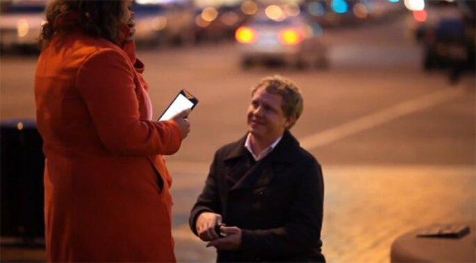 Inspírate en esta propuesta de matrimonio utilizando una app móvil - Foto Dots