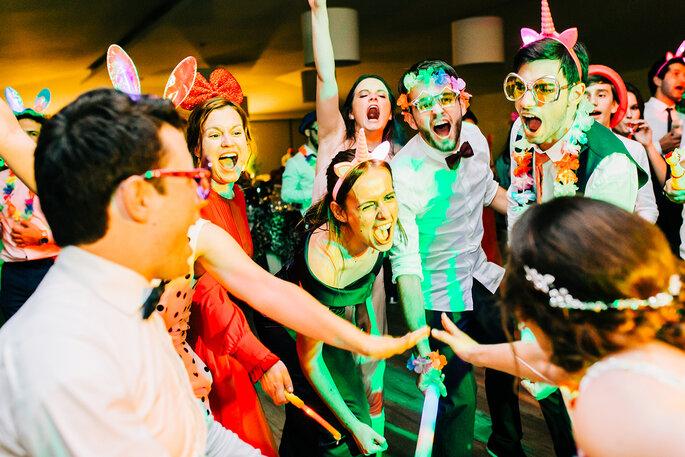 quanto custa um casamento: convidados numa festa de casamento