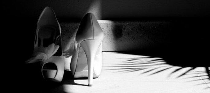 Fotografía en blanco y negro de los zapatos de novia - Foto Quadre