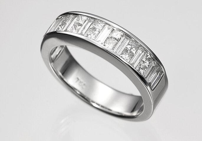 5404f1b0aec1 Germán Joyero está especializado en anillos de compromiso y alianzas de oro  y diamantes. Foto  Germán Joyero.