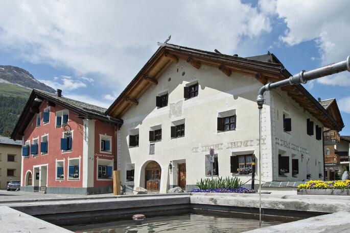 Aussenansicht des süssen kleinen Hotels, Foto-Hotel Chesa Rosatsch