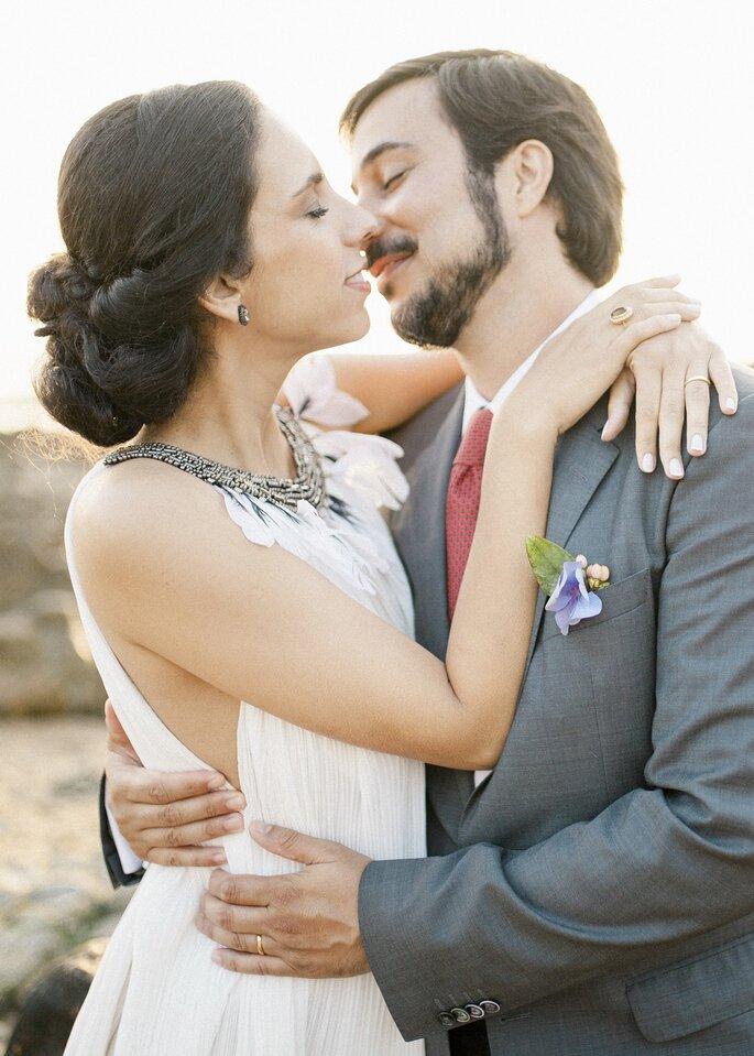 Noivos a beijarem-se