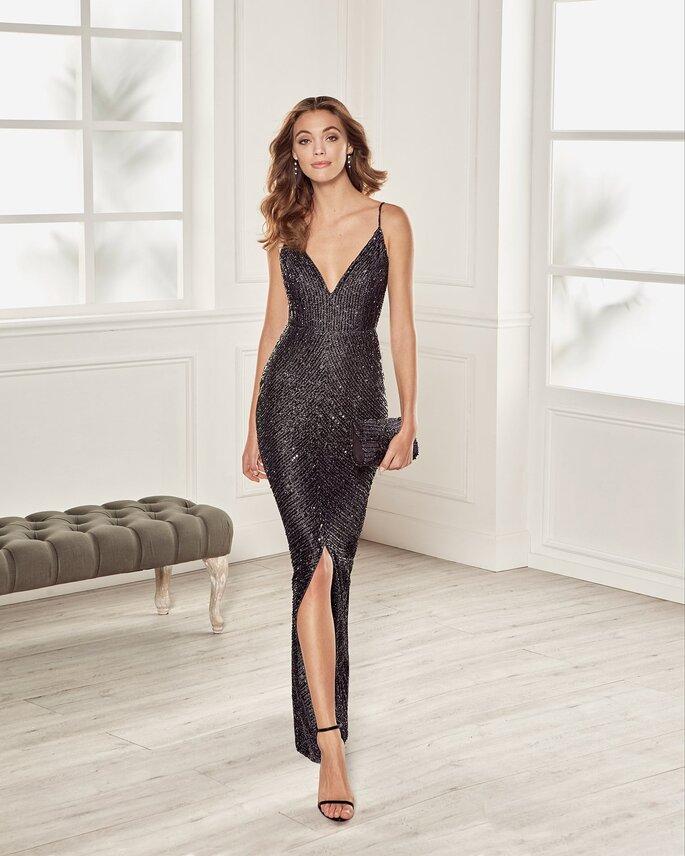 Vestido de fiesta negro largo de lentejuelas con escote en V profundo, tirantes y corte de sirena con apertura por la pierna