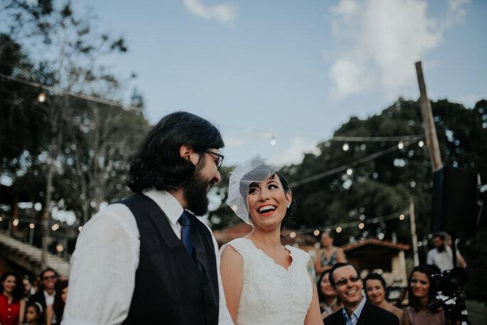 Alegria dos noivos na cerimônia