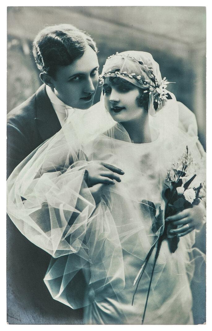 Retrato de una pareja de recién casados en París en 1920. Foto: LiliGraphie
