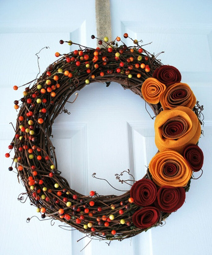 Corona de otoño vía CraftingMom.com