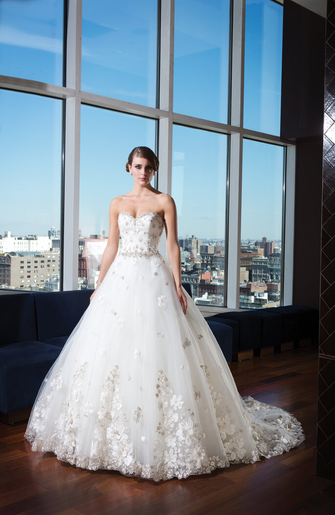 The Wow Factor from the 2014 Justin Alexander Signature Collection