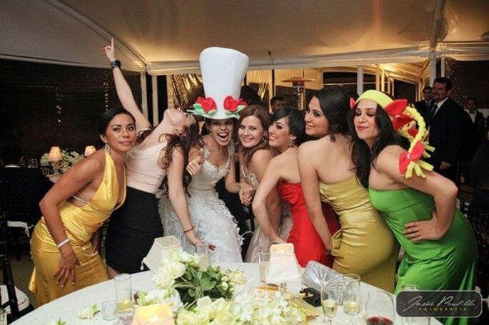 Foto con tus mejores amigas en la recepción de tu boda - Foto Jesús Padilla