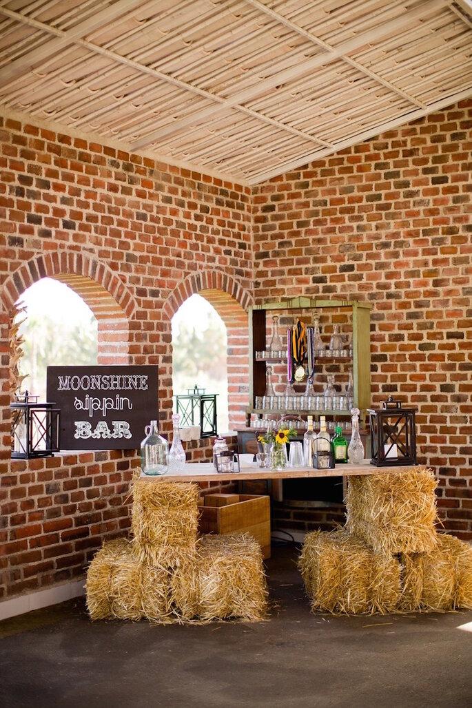 5 astuces pour une décoration champêtre: dîtes OUI aux bottes de paille!  - Sara Richardson Photography