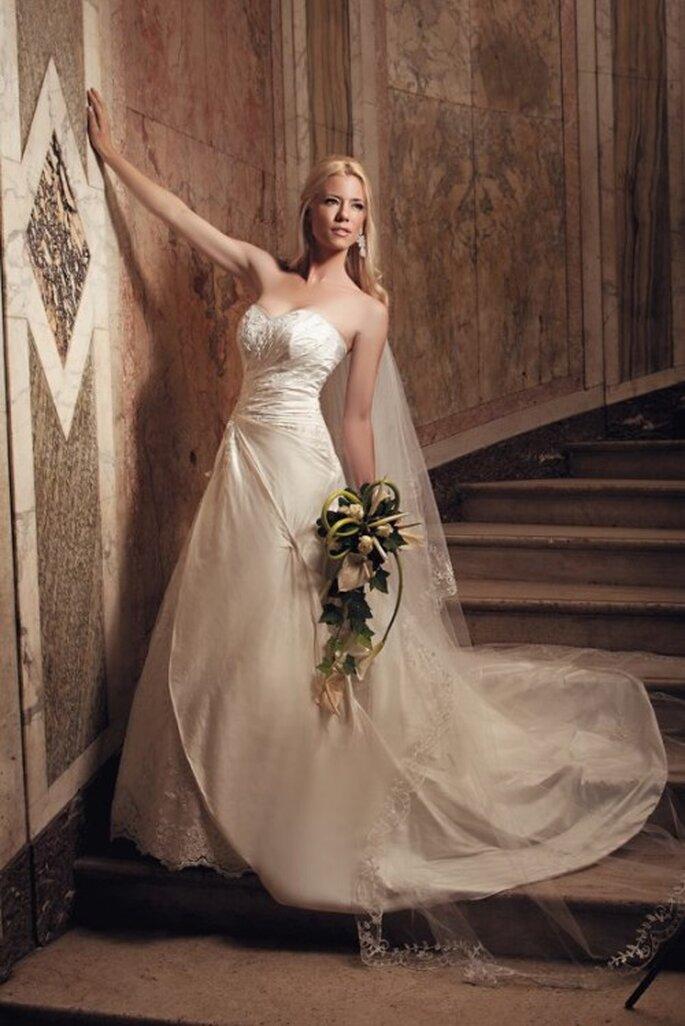 Heiraten wie eine Prinzessin – mit den A-Linien Brautkleidern 2013 – Foto: Juan puga