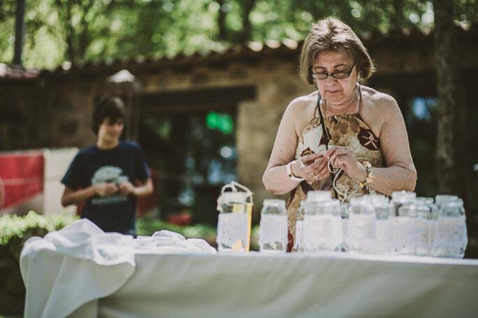 Tu madre puede ser tu mejor aliada en la organización del gran día. Foto: Josh Devotto