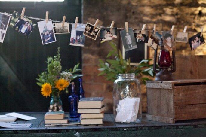 Haz centros de mesa con fotos tuyas y de tu pareja - Foto Elizabeth Anne Designs