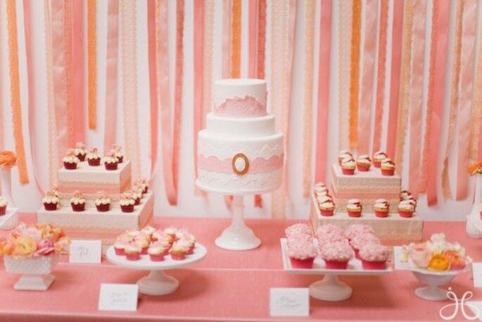 Mariage avec décorations couleur corail - Photo Jessica Claire
