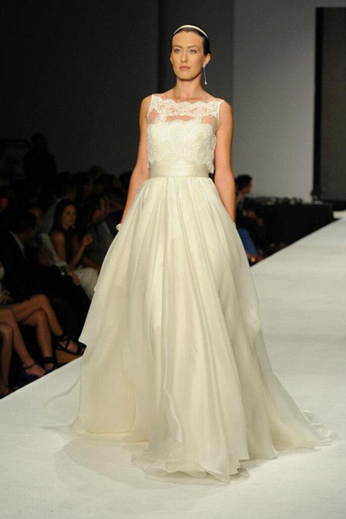 I vestiti d'ispirazione romantica sono una costante nelle Collezioni Rosa Clarà. Foto: Rosa Clará. Facebook.