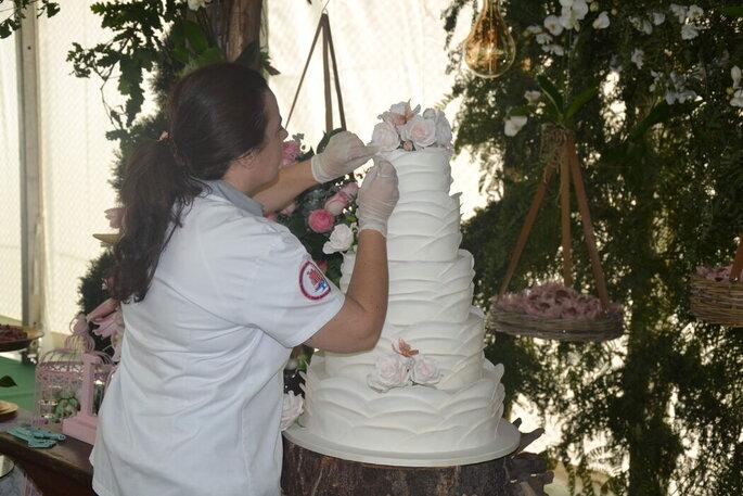 Bolo de noiva criado por Cake Details by Alcina Maia
