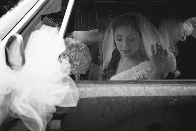 Luca Cuomo Photographer - preparazione sposa in bianco e nero