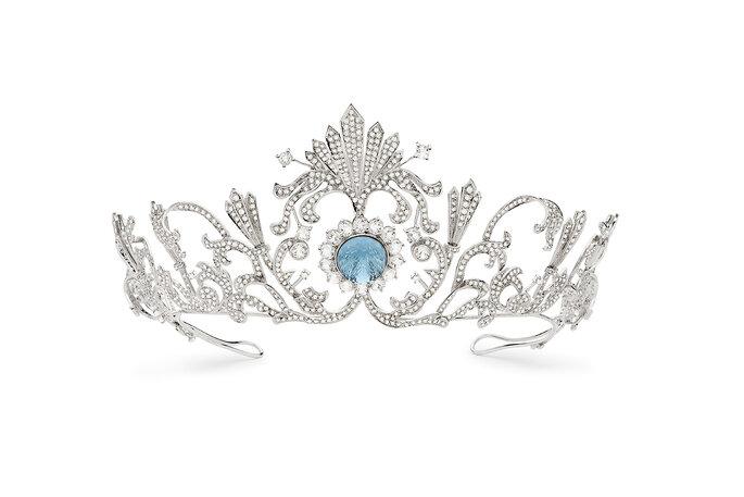 Coroa com cor para noivas