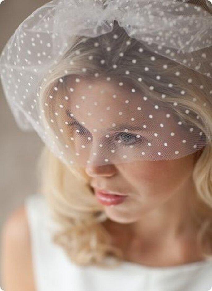 Frecher Pünktchen-Kurzschleier für die unkonventionelle sexy Braut